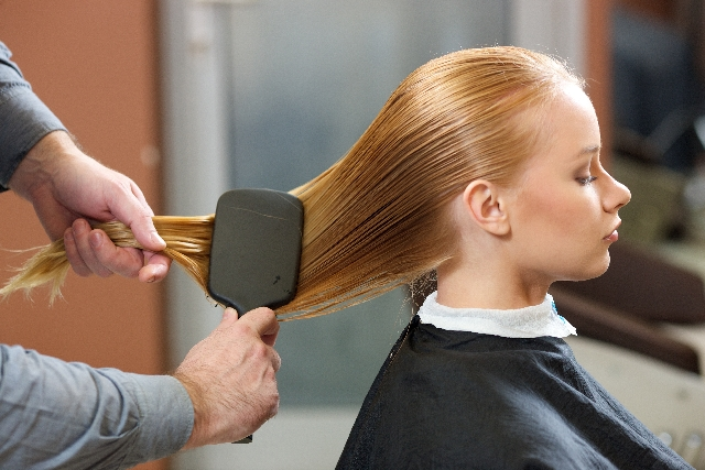 女性なのになぜ薄毛に?原因と薄毛対策!髪に良いのはこの食品!