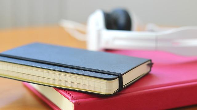 notebook-258310_640
