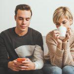 夫が不倫をしているかもしれない…と感じる5つの瞬間